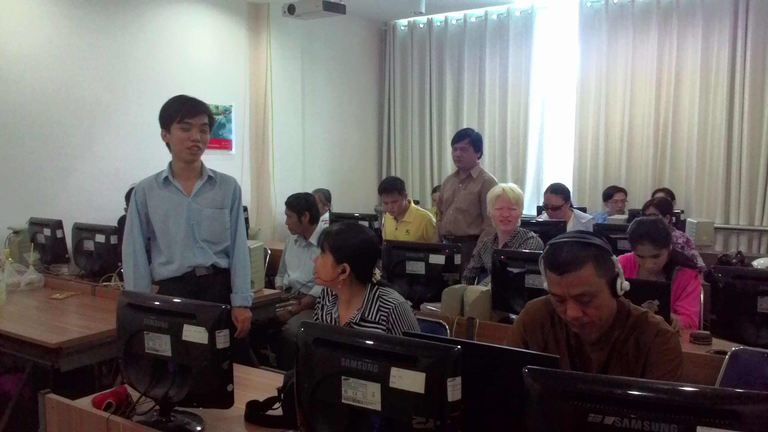 Cuong tutoring adults students